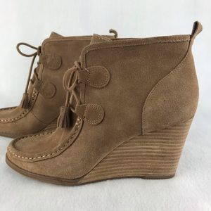 Lucky Brand   Wedged Lace-Up Leather Bootie SZ 9.5